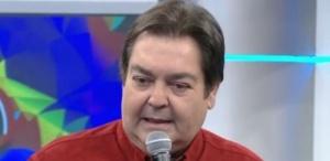5jul2015---faustao-volta-a-criticar-crise-no-brasil-apos-saia-justa-com-marieta-severo-1436144684196_615x300