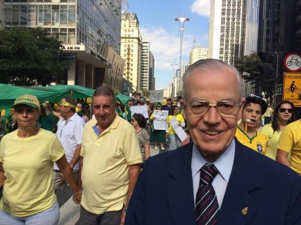 Príncipe brasileiro Dom Bertrand de Orleans e Bragança em manifestação em São Paulo / Reprodução